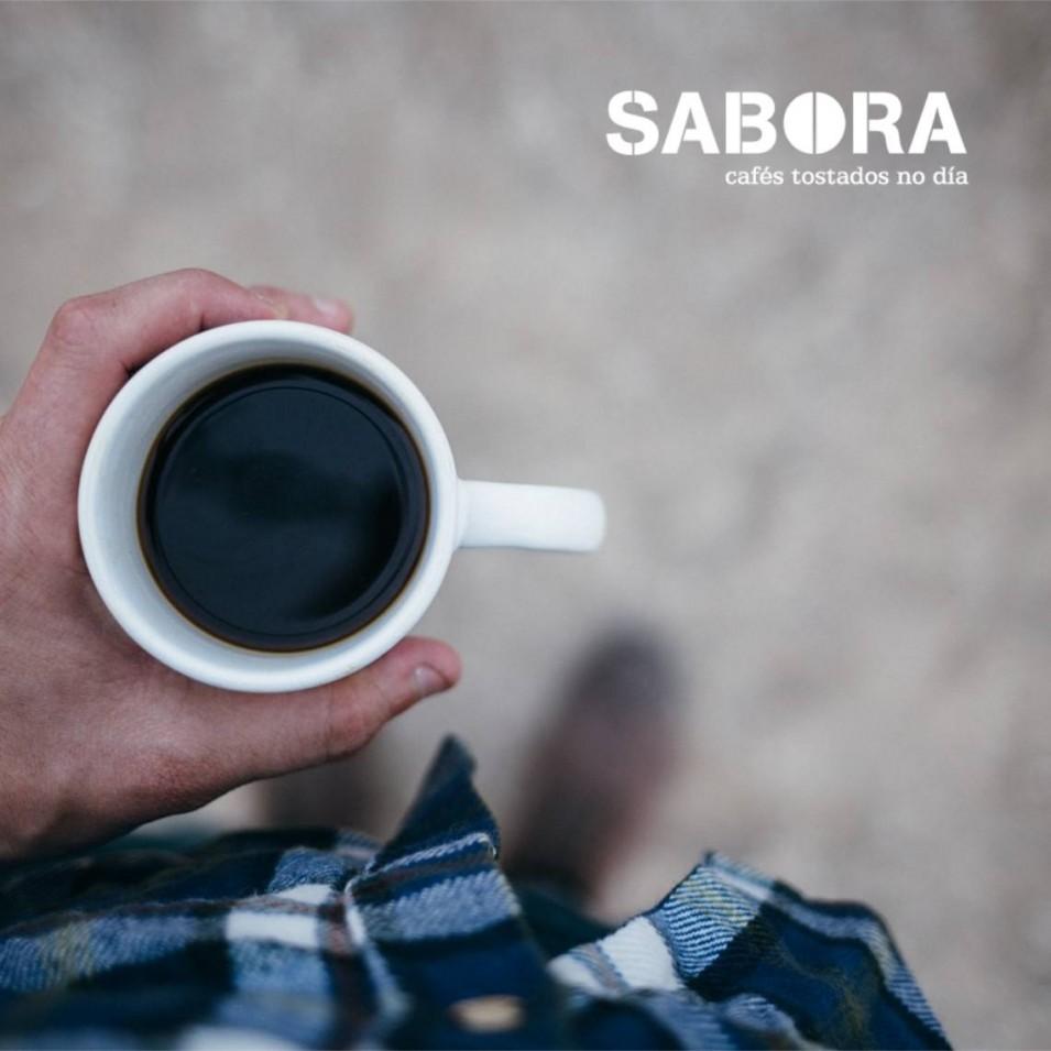 Canta  cafeína ten o café que estou a tomar.