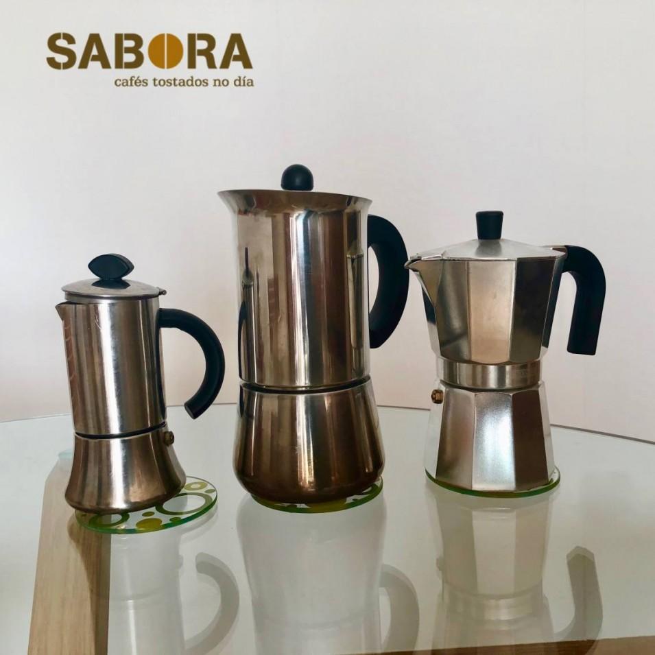 Cafeteras en distintos tamaños