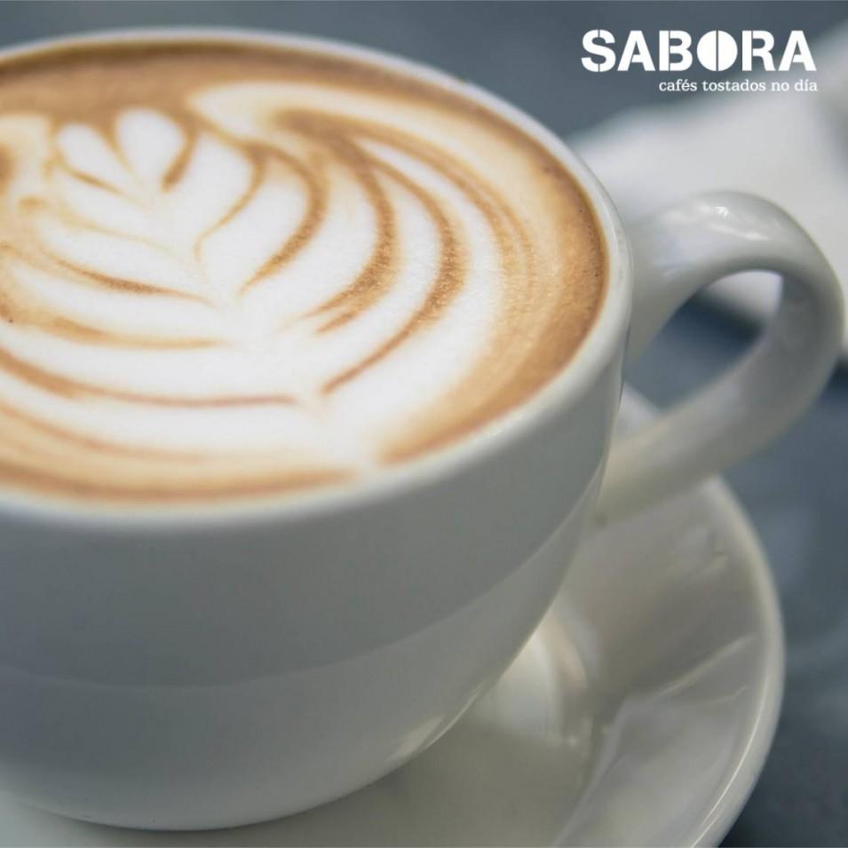 Escuma do leite  para o café
