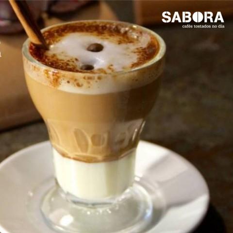 Café Asiático en su típico vaso de cristal