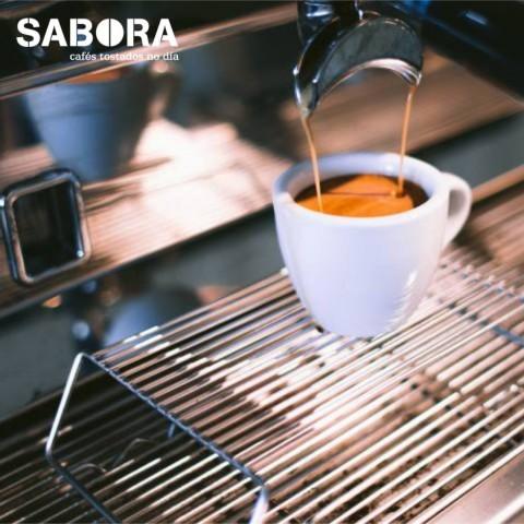 Cafe solo en máquina de café expreso