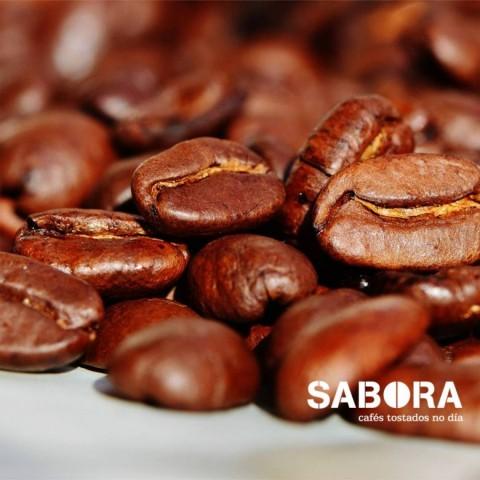 El café en grano tostado