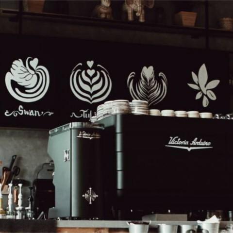 Muíño de café e cafeteira espresso profesionais.